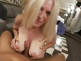 Classy mature woman is having a top-drawer anal sex