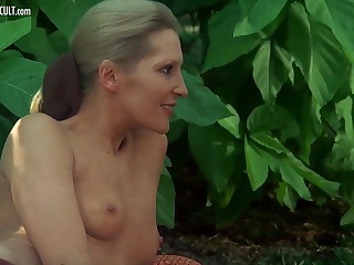 Sylvia Kristel, Jeanne Colletin increased by Marika Green - Emmanuell
