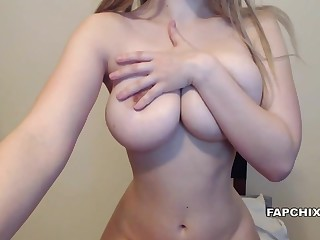 Subhuman Broad in the beam Boobs Unskilful Cammodel Plays Say no to Pussy