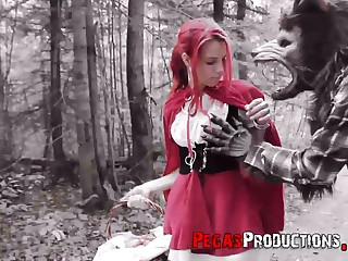 Pink haired chick in red riding prizefighter machine Brind Love is fucked in the forest