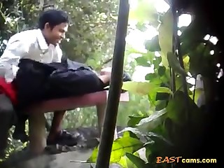 BanglaDeshi Boys and Girls Sex at hand Park