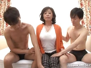 MM threesome between two younger dudes and MILF Chizubu Terashima
